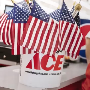 Free American Flag at Ace Hardware on 5/25